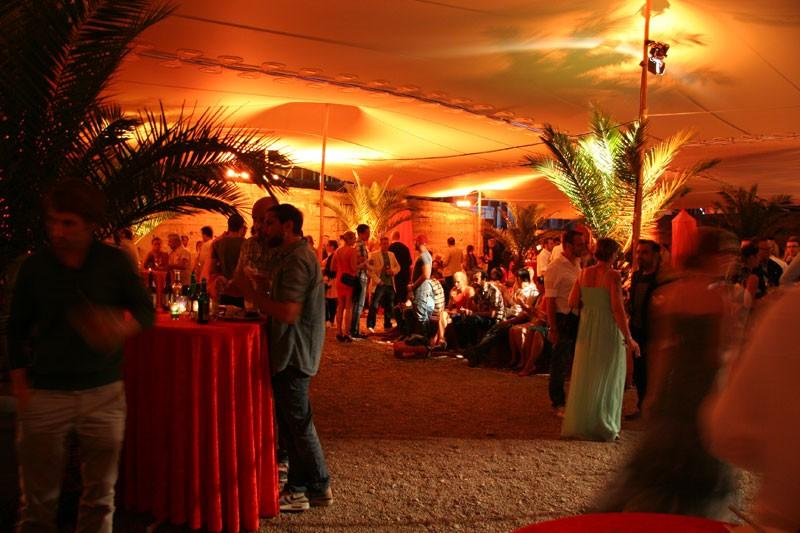 Deko Sommerfest sommerfest innenhof münchen deko design gmbh eventagentur deko